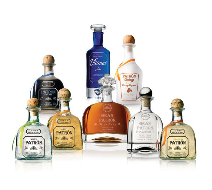 Patrón logo and bottles 2