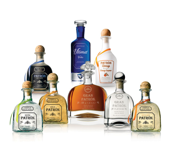 Patrón logo and bottles 2