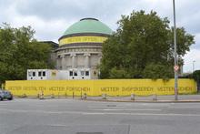 Hamburger Kunsthalle temporary signs