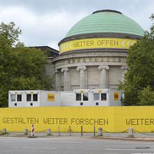 Temporary signage Hamburger Kunsthalle
