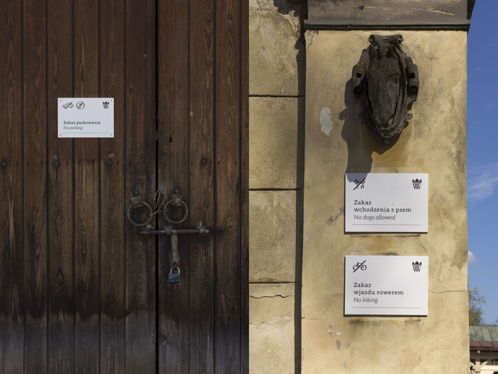 Wayfinding and visual identity system of the Wilanów Palace Museum 1