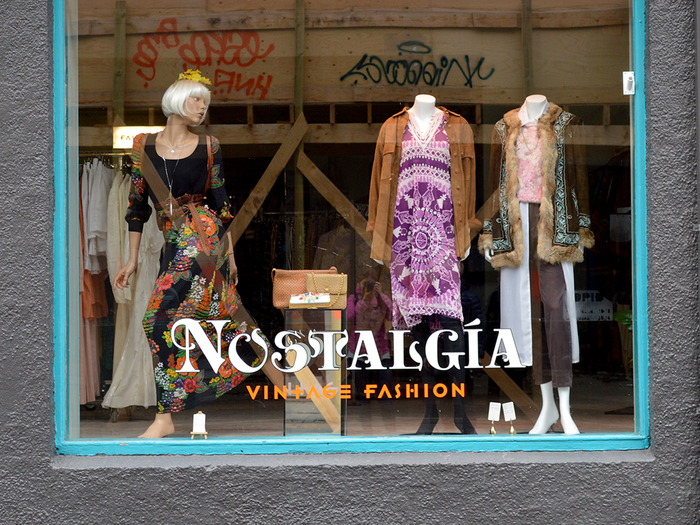 """Nostalgía Vintage Fashion"" shop window"