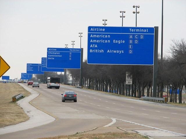 Dallas/Fort Worth International Airport wayfinding 6