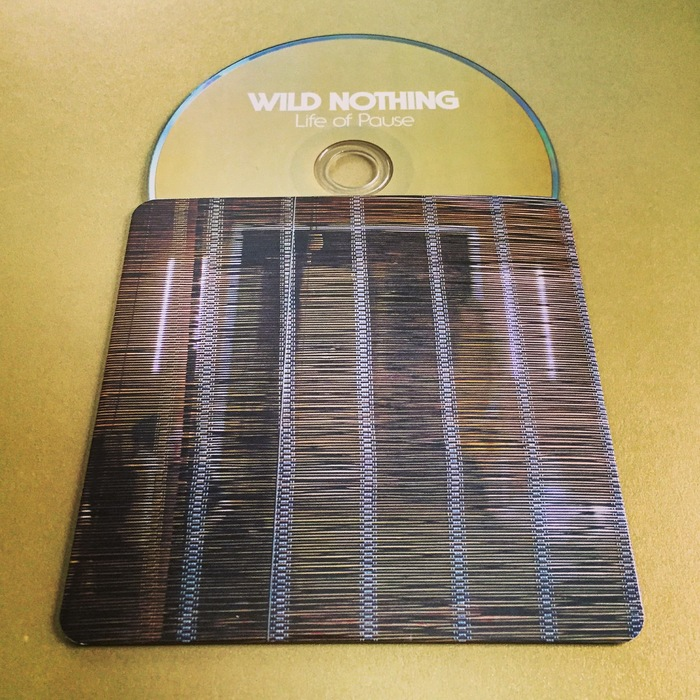 The disc sleeve.