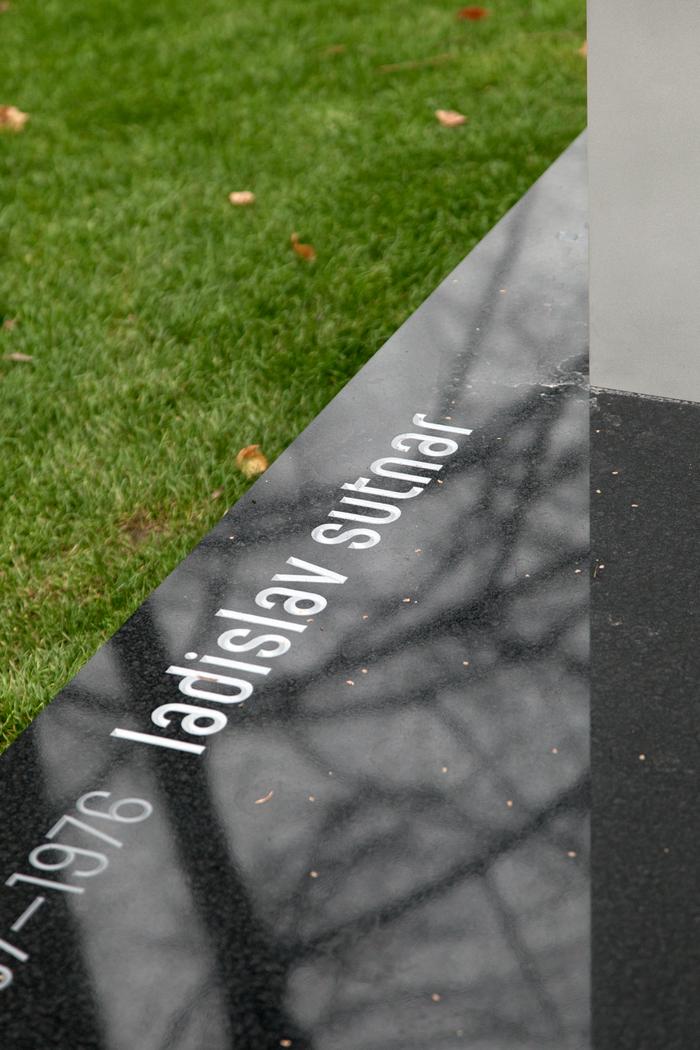 Ladislav Sutnar's gravestone 2