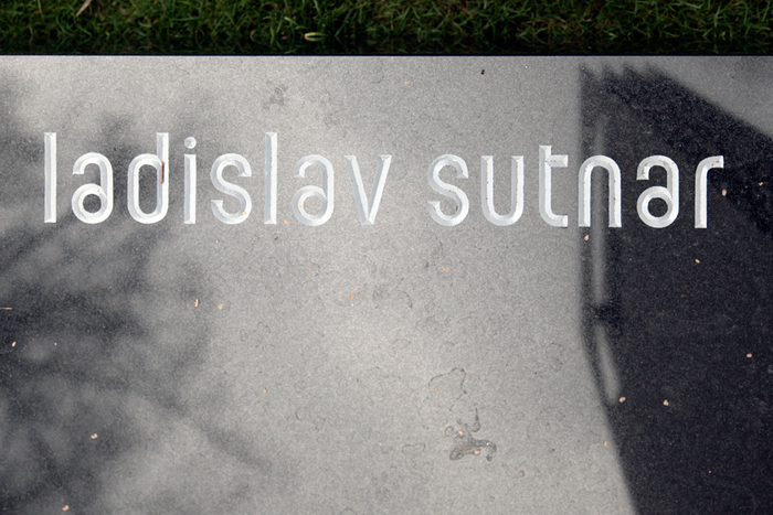 Ladislav Sutnar's gravestone 3