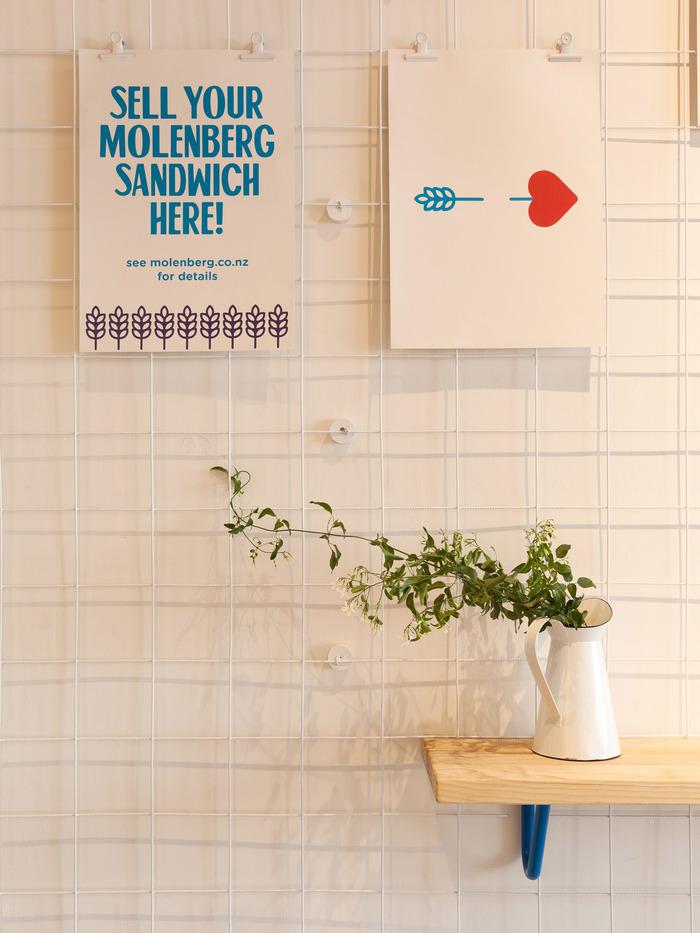 Molenberg Sandwich Shop 6