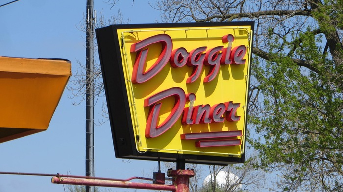 Doggie Diner, Aurora, Illinois 1