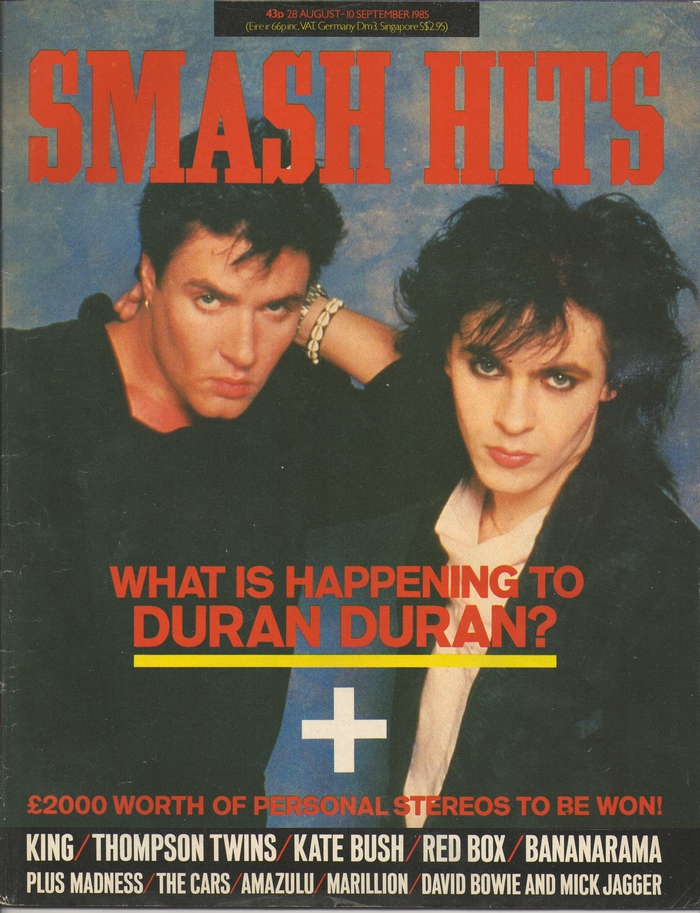 The logo in Grecian was introduced in Vol. 7 No. 17 (August 28, 1985), and would last for 15 years. Editor: Steve Bush. Assistant Editor (Design): David Bostock. Design: Vici MacDonald. Cover: Simon le Bon and Nick Rhodes of Duran Duran, by Denis O'Regan/Idols.