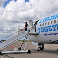 "Hillary Clinton campaign plane ""Stronger Together"""
