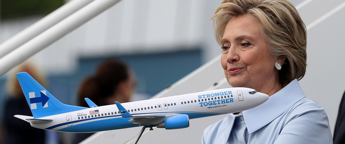 "Hillary Clinton campaign plane ""Stronger Together"" 2"