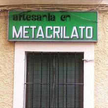 Artesanía en metacrilato