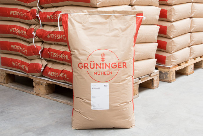 The greatest implementation of Cera Pro in this case are the flour bags: Being quite plain designed they are part of the everyday business of the traditional miller delivering tons of flour to local bakeries.