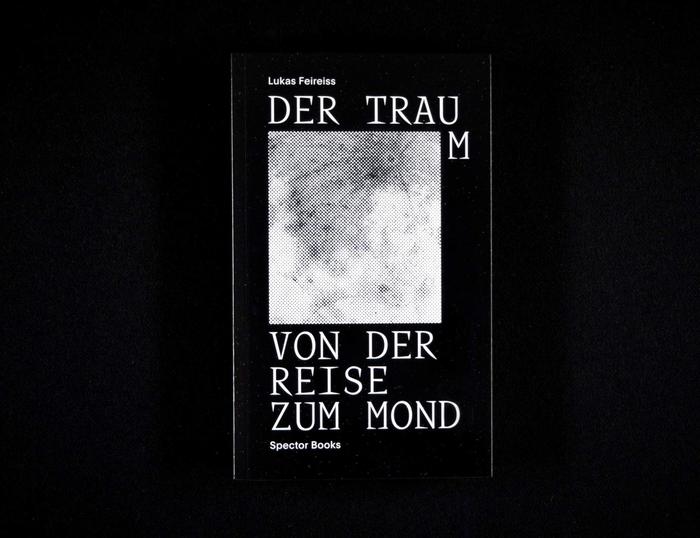 Der Traum von der Reise zum Mond / Memories of the Moon Age by Lukas Feireiss 1