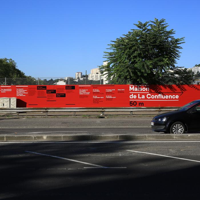 Lyon Confluence signs 2