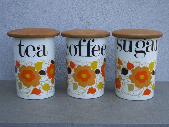 Crown Devon / Mary Quant ceramic containers 7
