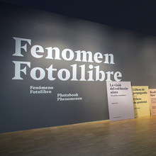 <cite>Fenomen Fotollibre</cite> exhibition
