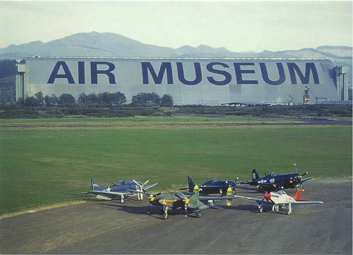 Tillamook Air Museum (World's Largest Helvetica) 3
