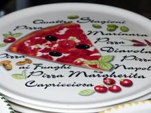 Typographic pizza plates