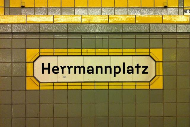Berlin U-Bahn signs (fictional) 2