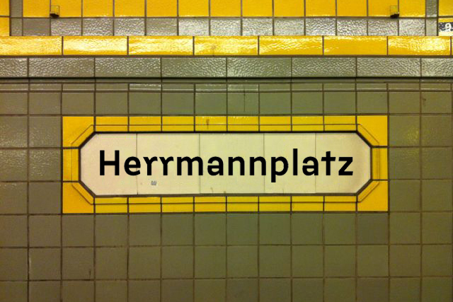 Berlin U-Bahn signs (fictional) 2
