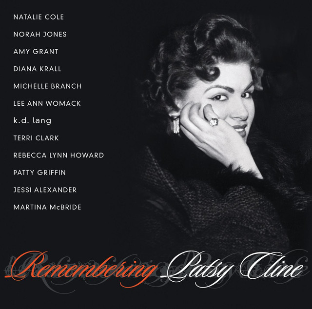 Remembering Patsy Cline, cover of the CD compilation, MCA Nashville, 2003.