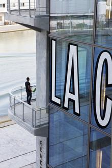 Magasins Généraux window signs
