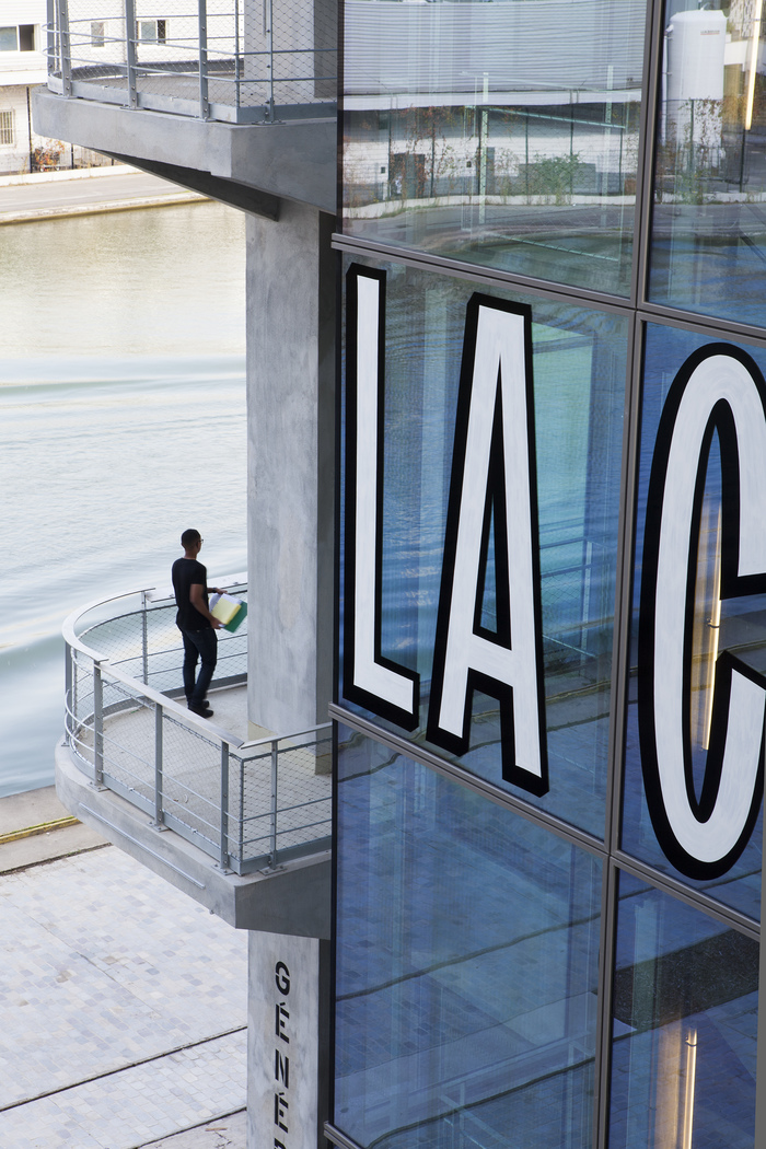 Magasins Généraux window signs 14