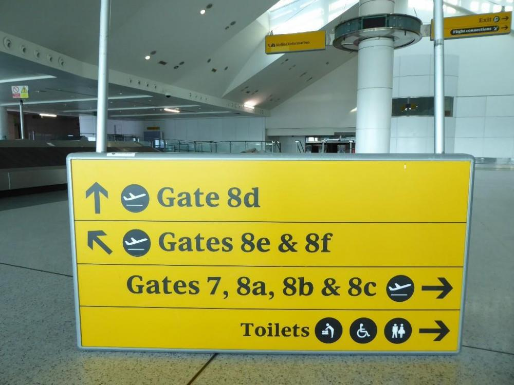Heathrow Airport Signs 2005 09 Fonts In Use