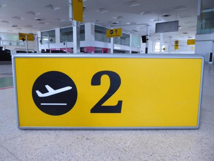 Heathrow Airport signs (2005–09) 7