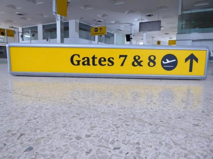 Heathrow Airport Signage (2005–09) 8