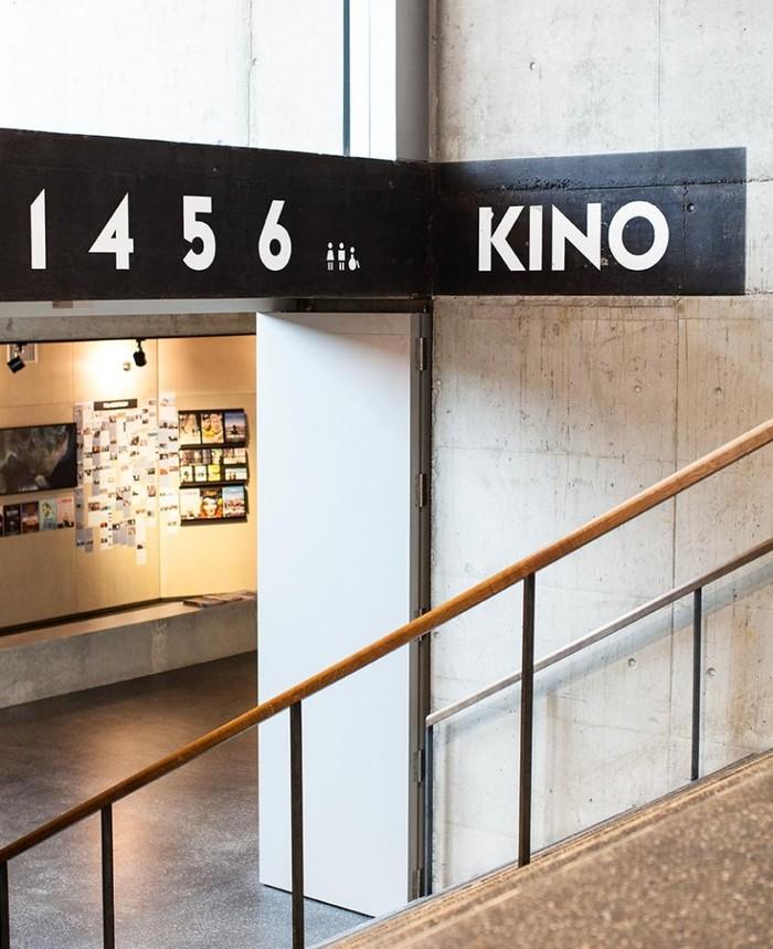 Kosmos – Bühne, Buchsalon, Kino, Bistro, Bar 9