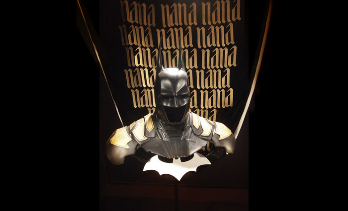 Batman costume for Cape 'n' Cowl, Warner Bros. Italy 4