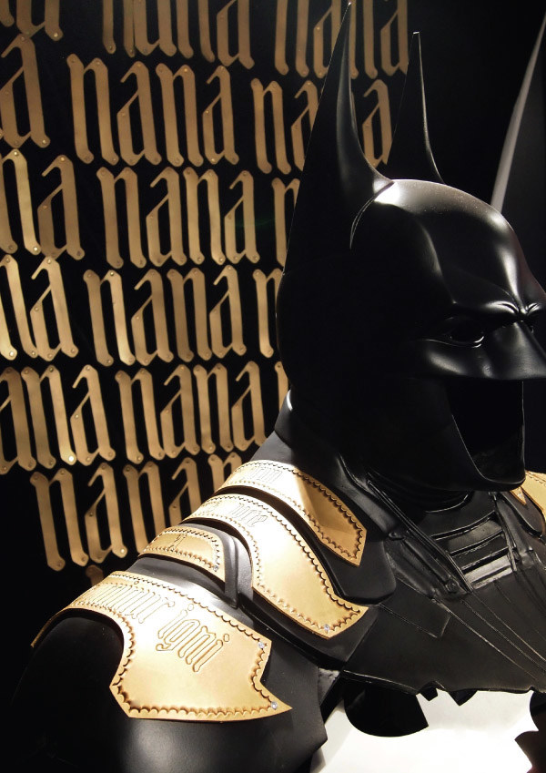 Batman costume for Cape 'n' Cowl, Warner Bros. Italy 5