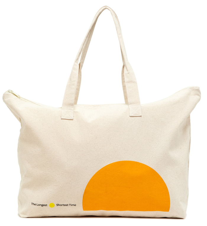 Merchandise: Canvas tote with the logo in Omnes.