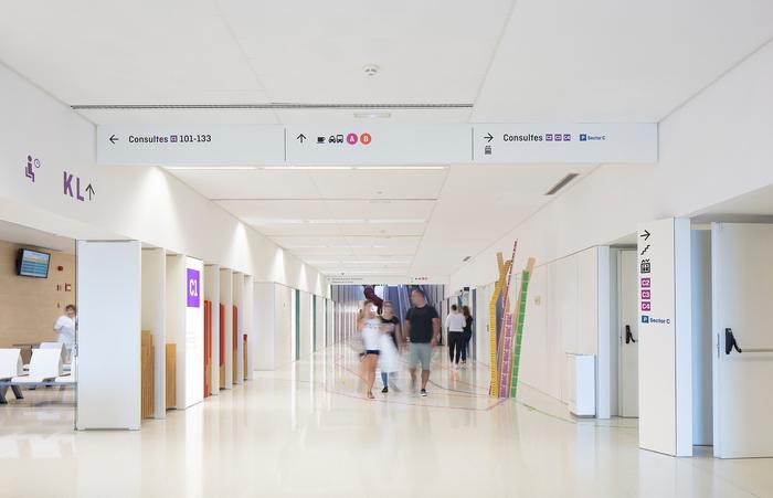 Hospital Sant Joan de Déu wayfinding 9