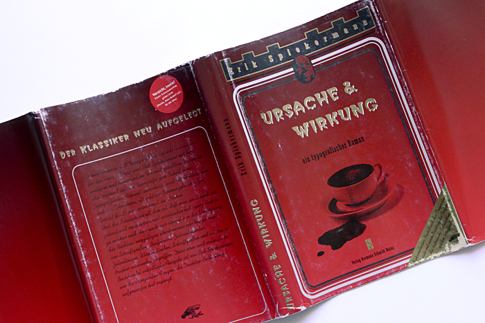 This version visually quotes from Bastei-Verlag who have published a series of books with a castle-like masthead silhouette. The title is set in the frightening Creeper typeface. However, it is by far not as frightening as the tortured (horizontally compressed and vertically stretched) Glypha 75, in the subtitle and letterspaced on the spine. The dusk jacket is rounded off with Kaufmann script on the back cover.