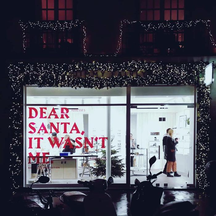 Jimmy Fairly, Christmas window display 4