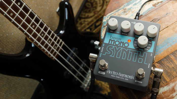 EHX Mono Synth effect pedal 3
