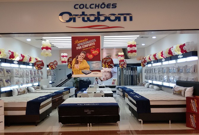 At a store in RibeirãoShopping (the name of this shopping mall has no space on purpose).