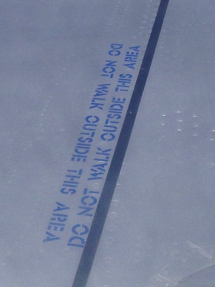 BA Airbus A320 wing lettering 2