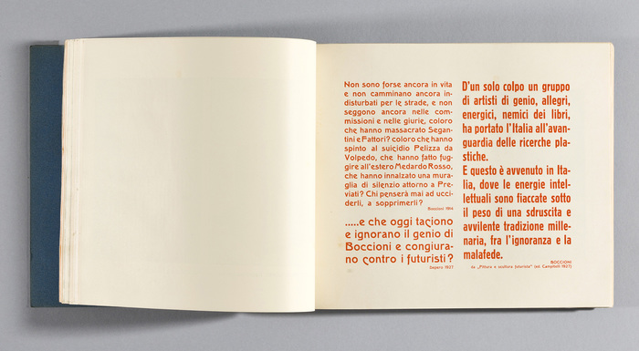 Page 101 has quotations by Futurist painter and sculptor Umberto Boccioni (1882–1916) and Depero himself, printed in orange. The fonts in use are Schmale Block and three sizes of , with several descending alternates for c and e. The latter was also available from Italian foundries Società Augusta (as Melpomene, before 1914) and Fondografica (as Como).