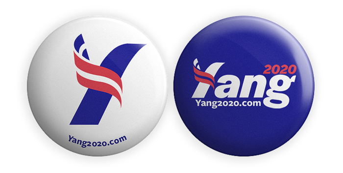 On the pinback buttons, the website address is set in Freight Sans with its default oldstyle figures.