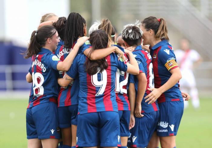 9 September 2018. The women's squad of Levante U.D. celebrate the winning 1-0 goal in their match against Rayo Vallecano.