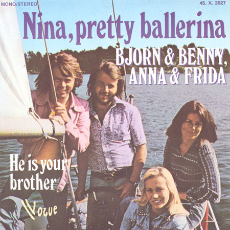 """Nina, Pretty Ballerina"" as released in France by Vogue. The font in use is ."