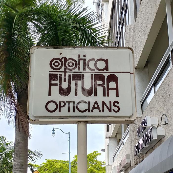 Óptica Futura Opticians