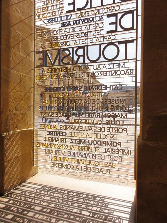Centre Pompidou Metz signage system 3