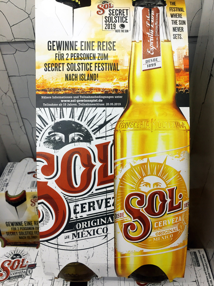 Wood Bonnet is used to announce a competition on the packaging of Sol Cerveza. Spotted in a German supermarket.