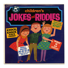 <cite>Children's Jokes And Riddles </cite>album art