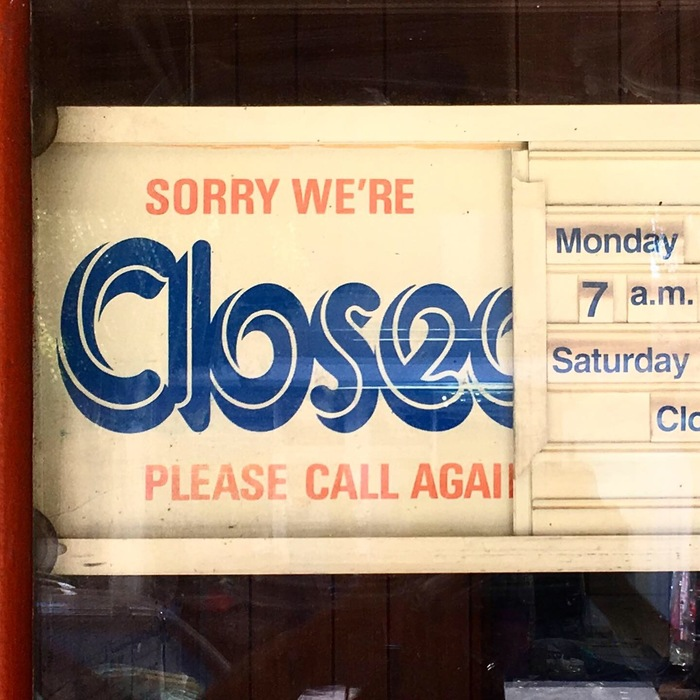 Closed/Open sign with slotted board 1